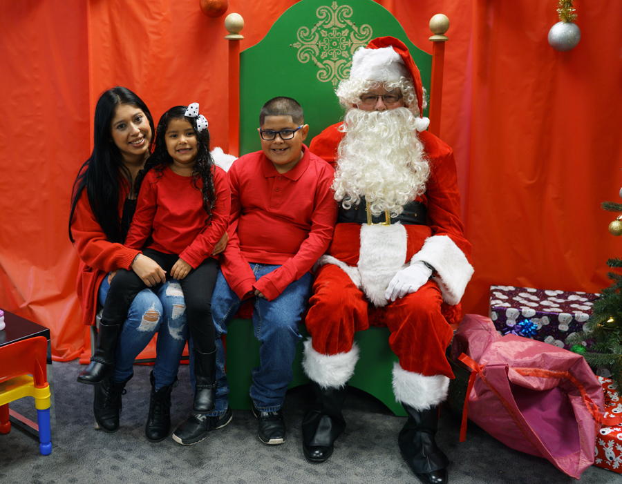 Sensitive Santa with the Luna Family